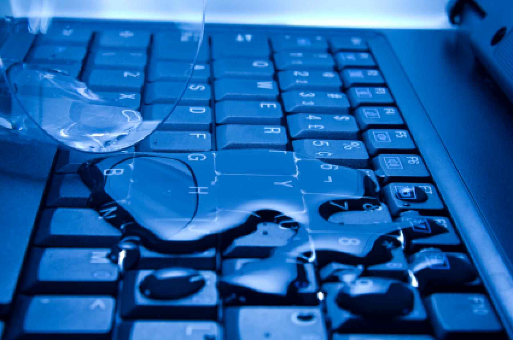 Что делать если вы залили ноутбук